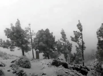 Snow falling on the summit of Gran Canaria